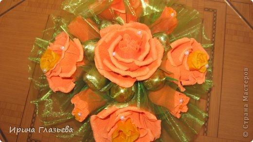 Приветствую всех, посетивших мою страничку! Буду очень рада если моё рукотворчество кому-то понравится! Много идей в Стране мастеров, вот и я решила поздравить учителей моей дочери чем-то необычным. Не очень хотелось просто купить цветы и конфеты - так делают многие. Захотелось вложить душу в подарок...ну, а что из этого вышло - судить вам! фото 8