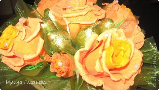 Приветствую всех, посетивших мою страничку! Буду очень рада если моё рукотворчество кому-то понравится! Много идей в Стране мастеров, вот и я решила поздравить учителей моей дочери чем-то необычным. Не очень хотелось просто купить цветы и конфеты - так делают многие. Захотелось вложить душу в подарок...ну, а что из этого вышло - судить вам! фото 9