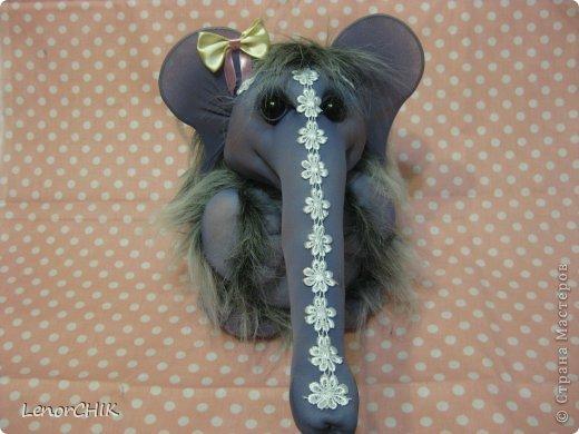 Всем приветики! Заказала мне одна дама слона для дочки 2-х лет. Как в мульте *По дороге с облаками*. Я долго думала КАК воплотить эту идею.  фото 4