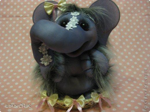 Всем приветики! Заказала мне одна дама слона для дочки 2-х лет. Как в мульте *По дороге с облаками*. Я долго думала КАК воплотить эту идею.  фото 6
