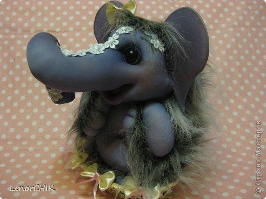 Всем приветики! Заказала мне одна дама слона для дочки 2-х лет. Как в мульте *По дороге с облаками*. Я долго думала КАК воплотить эту идею.  фото 7