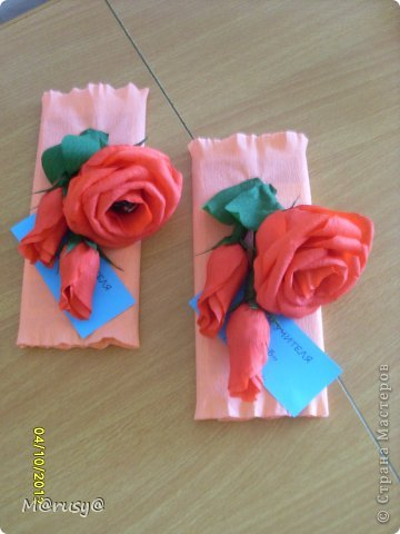 Всем здрассттииии!!!!!!!!!!!!!!!!!!! Вот такие подарки я сделала нашим учителям предметникам. Три дня не покладая ручек. И зачем спрашивается я согласилась войти в род.комитет)))))))))))))))) фото 4