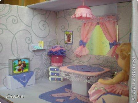 Здравствуйте все, кто зашел на мою страничку! Посмотрев работы мастериц СМ, захотелось тоже сделать Кукольный домик для дочки. Домик еще не закончен - это только гостиная, предполагается на втором этаже терраса для отдыха, а вторая комната будет спальней. фото 5