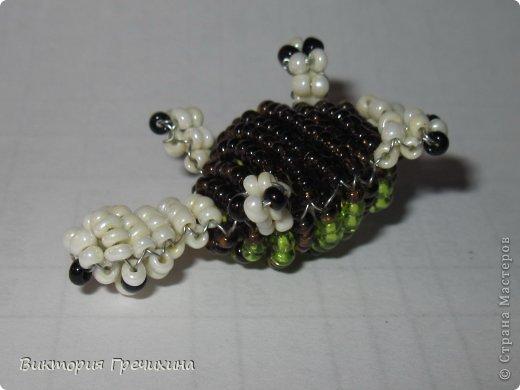 Сегодня сплелась еще одна моя маленькая зверушка параллельным плетением - черепашка!  Обращайтесь за схемой! фото 5