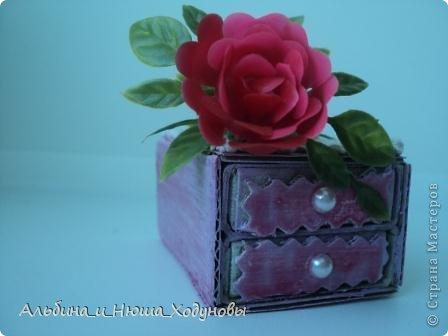 Вот такой комодик из спичечных коробков я сделала для сестры ( она очень любит всякие коробочки, шкатулочки). фото 2
