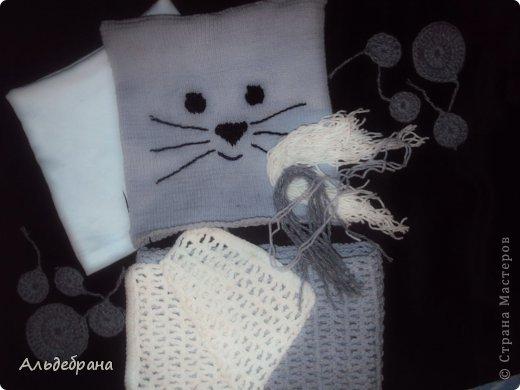 """комплект """"Котенок для моего котенка"""": пряжа """"ALIZE Cotton Gold"""" 1 моток серой и немного белой, спицы 2 мм, крючок №3; подклад: трикотаж, хлопок. Шапочка на 4-5 лет (окр.головы 42 см, глубина 20 см) фото 3"""