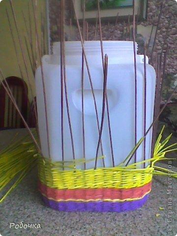 Добрый вечер, рукодельницы! Очередная ваза под пальму задумывалась более интересной, но потом я потеряла к ней интерес, вот что получилось.  фото 2