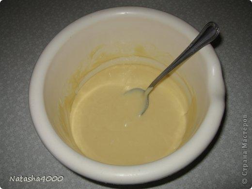 Делаем этот рулет очень-очень давно. Очень нравится, тесто получается нежное да еще кисленькая начинка, очень хорошее угощение к чаю, а главное быстрое.  фото 4