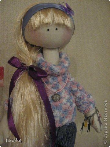 Здравствуйте, мои дорогие жители Страны мастеров!!!!!!!!!! Я очень рада видеть вас на своей страничке!!!!!! Сегодня хочу познакомить вас со своей новой куколкой-----Лизонькой.  Я давно мечтала начать шить таких куколок, но всё как-то не моглось (моя гулящая Муза опять улетела и я без неё, как малое дитя........ничего не могу........не придумывается, не делается ..........................ну совсем никак :((((   Но сегодня, о чудо!!!!!!!!!!!!! Моя Музочка прилетела и дрынькнула на своей волшебной арфочке, и я, как ошалелая поскакала шить девочку, о которой уже давненько думала :)))   И вот она----ЛИЗОНЬКА, познакомьтесь!!! фото 7