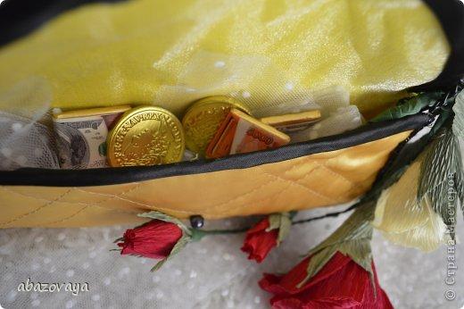 """Всем доброго времени суток!!! Попросили меня сделать маленькую сумочку """"Шанель"""", и вот не долго думая я побежала приобретать подходящую ткань, очень уж хотелось что бы она была похожа на настоящую...... ну собственно вот что у меня вышло. фото 3"""