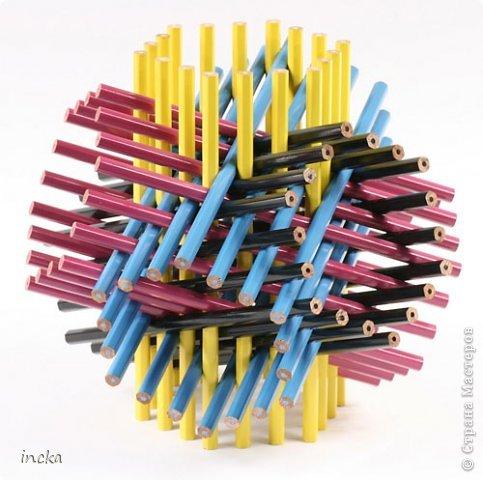Всем привет! Итак, сегодня начинаем голосовать за пересечения многогранников и планары.  (Фото опять отсюда: http://experiment.ru/culture/george-hart-interview/)
