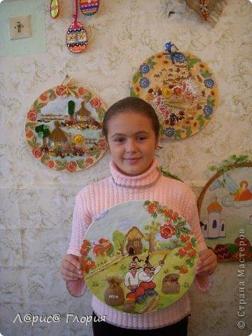 """Моя ученица Аббасова Виолетта сделала коллаж к конкурсу """"Украинский сувенир"""". В работе использованы салфеточные мотивы,подрисовка красками и пастелью, мешковина, семена, природный материал. фото 1"""