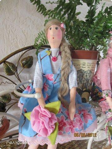 Куколки уже были сшиты давно, вот и решила переделать им волосы и одежду. фото 7
