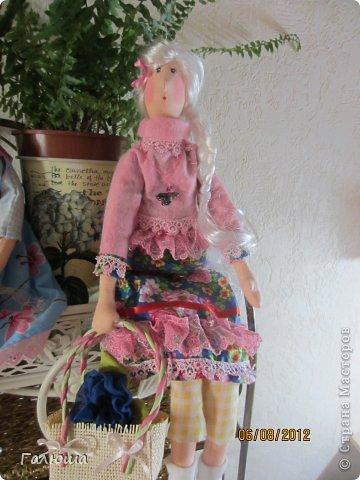 Куколки уже были сшиты давно, вот и решила переделать им волосы и одежду. фото 8