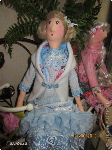 Куколки уже были сшиты давно, вот и решила переделать им волосы и одежду. фото 6