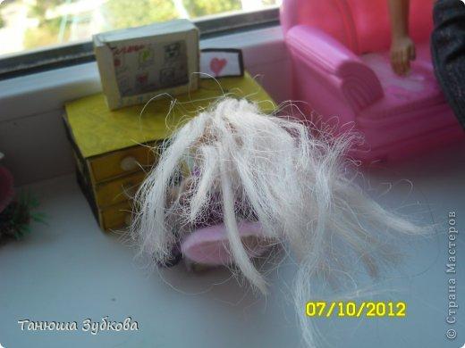 Кукольный домик на окне фото 5