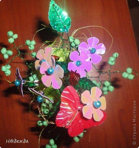 Ко дню учителя Вероника делалет подарки сама. Вои в этом году она решила сделать бисерные букетики с цветочками.  фото 5