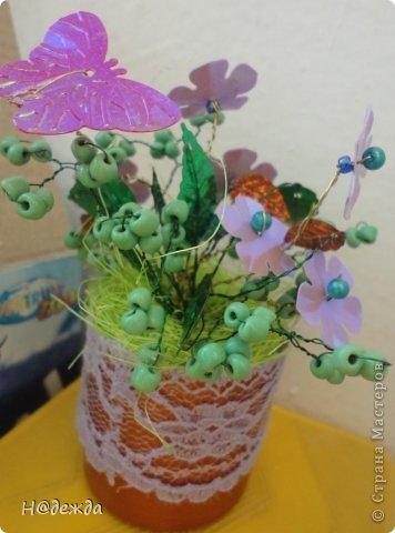 Ко дню учителя Вероника делалет подарки сама. Вои в этом году она решила сделать бисерные букетики с цветочками.  фото 6