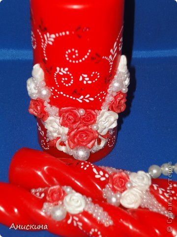 """Свадебный набор """"Люблю"""". Не могла купить белые свечи. Пришлось купить красные. Красные свечи на столе даже ярко смотрелись. Результатом довольна. Невесте понравилось. фото 4"""