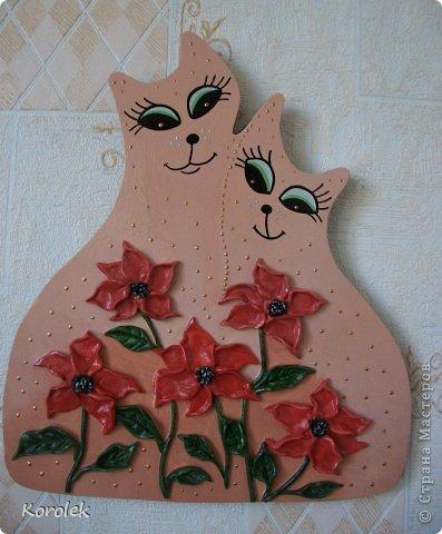 Котики сделаны из гипса,все остальное солёное тесто.Форму кошек подсмотрела у Elen , https://stranamasterov.ru/node/314741 ,большое спасибо за идею!) фото 3