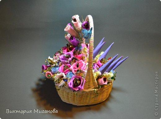 Доброго времени суток! :) Новая сладкая корзиночка на заказ,надеюсь понравится и Вам дорогие мастерицы! фото 3