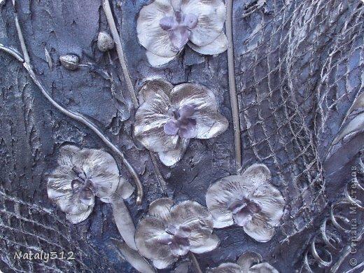 Размер панно 120 Х 60 Х 5 см. Выполнено на пеноплексе. Не гипс, а шпаклевка. Орхидеи искусственные, ткань. фото 1