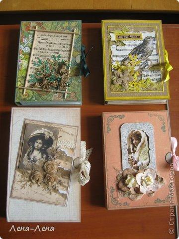 Вчера начальство озадачило: сделать на среду для проверяющих 4 подарка, выбрали такие открытки-упаковки. Показываю результат моего ночного бдения: фото 17