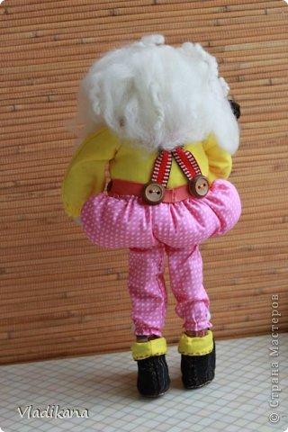 Вот такой старичок-толстячок у меня получился... Рост 35см Увидела в нэте фото текстильной куклы гнома и захотелось сделать такого же.. Но выкройки не нашла и сама методом тыка нарисовала выкройки тушки и всего остального.. фото 5