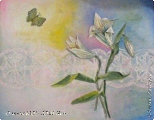 лилии и бабочка из соленого теста. раскрашено масляными красками фото 1