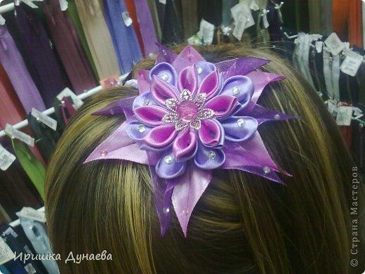 Увидев в случайно в интернете мастер-класс по изготовлению цветов в технике канзаши просто не могу остановиться!!! Каждый из моих цветов не повторим и не возможно сделать точную копию и это прекрасно! фото 5