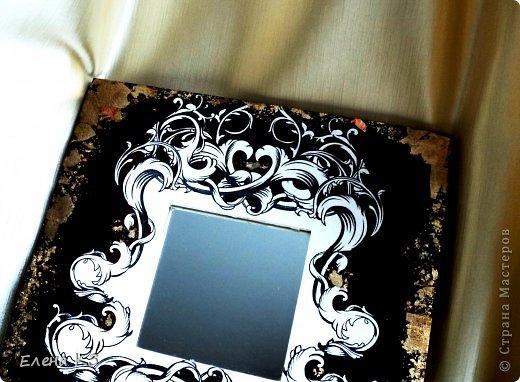 """Основа - ИКЕЕВСКОЕ зеркало, узор распечатан на лазерном принтере, поталь-крошка золотая и цветная, клей и лак для потали, акрил. Основа больше года лежала как """"незавершенная"""", переделывалась несколько раз, меняла декор и концепцию. И наконец получилось!!!!! фото 4"""