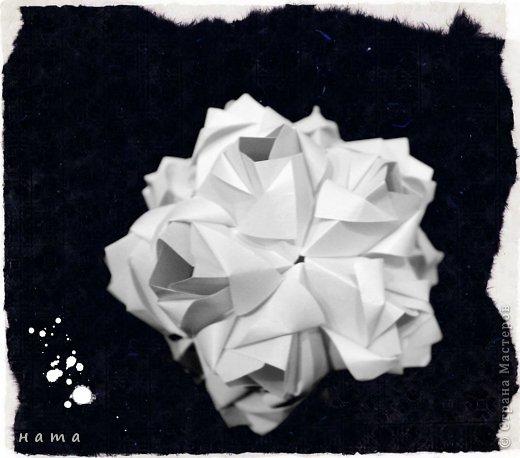 Благодаря Оле https://stranamasterov.ru/node/421934 я открыла для себя мир кусудам Марии Синайской  Little Roses Kusudama (squares) - 30 модулей. Наинежнейшее создание, Чайная роза... МК: http://goorigami.com/diagrams/little-roses-kusudama  Видео МК: http://www.youtube.com/watch?v=d9r2Llb8f8w  фото 4