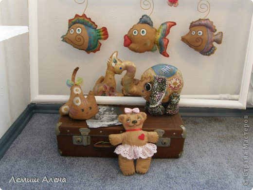 А это мои кофейные игрушки и не только, которые я нашила на радостях после покупки швейной машинки! Влюбленный жираф(или жирафа) фото 2