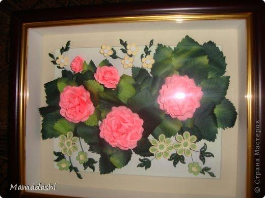 Вот еще моя работа, идею подглядела у АнтониныШ https://stranamasterov.ru/node/365428, маленькие цветы это МК Ларисы Засадной (восхищаюсь ее работами, спасибо ей огромное за предоставленные МК), сами розы выполняла по МК  Астории http://asti-n.ya.ru/replies.xml?item_no=550 В общем, коллективная работа)))) фото 1