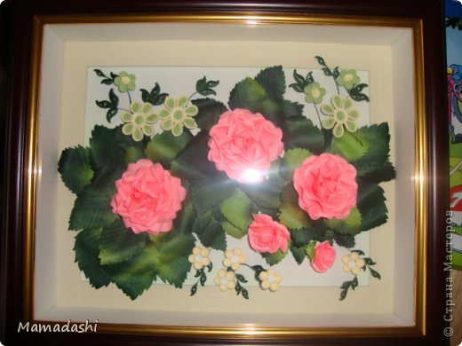Вот еще моя работа, идею подглядела у АнтониныШ https://stranamasterov.ru/node/365428, маленькие цветы это МК Ларисы Засадной (восхищаюсь ее работами, спасибо ей огромное за предоставленные МК), сами розы выполняла по МК  Астории http://asti-n.ya.ru/replies.xml?item_no=550 В общем, коллективная работа)))) фото 2