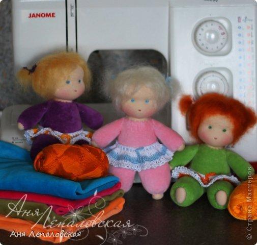 Самые простые вальдорфские куклы, приближенные к классики, с намечанными чертами лица, без носика, 20 см. фото 1
