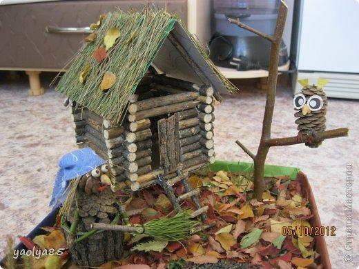 Домик из шишек поделка в садик 4