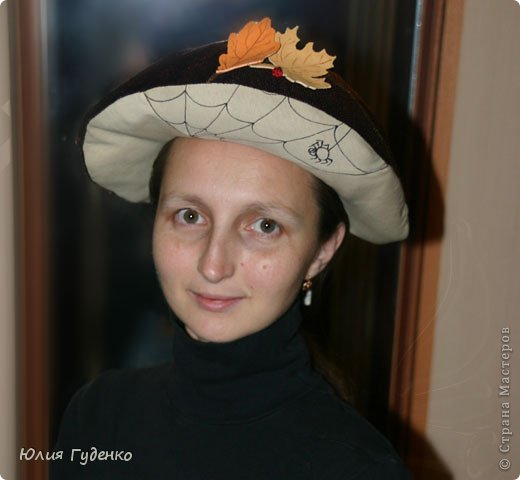 Здравствуйте! В детском саду попросили сшить для утренника шляпку гриба. Вот шляпа и готова, но пока её обладатель спит, примерим на леопарда, который любезно согласился побыть моделью. фото 22