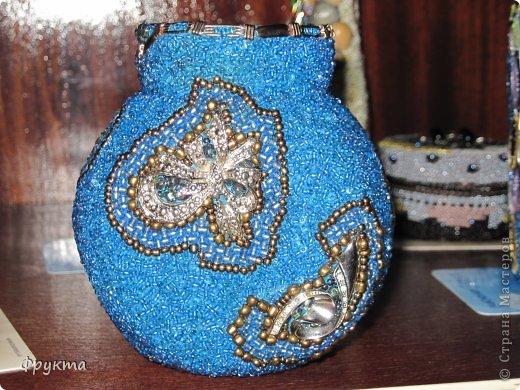 Декор предметов Две небольшие вазы сильно бликует бисер Бисер фото 1.