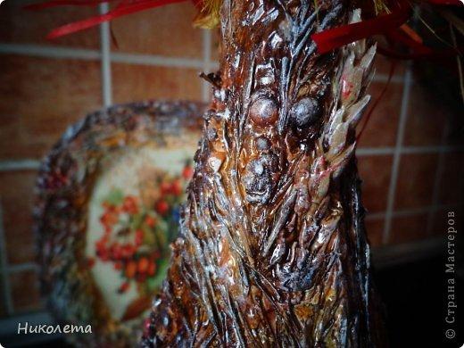 Всем привет!!!!! Облетели листья с деревьев,  прошел первый снежок, хочется что-то оставить на память о золотой осени, так родилась эта вазочка из стеклянной бутылки. фото 27