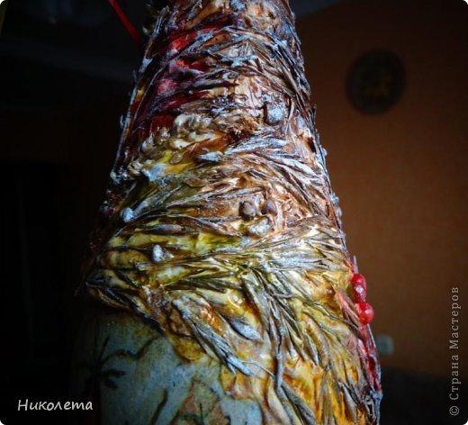 Всем привет!!!!! Облетели листья с деревьев,  прошел первый снежок, хочется что-то оставить на память о золотой осени, так родилась эта вазочка из стеклянной бутылки. фото 29