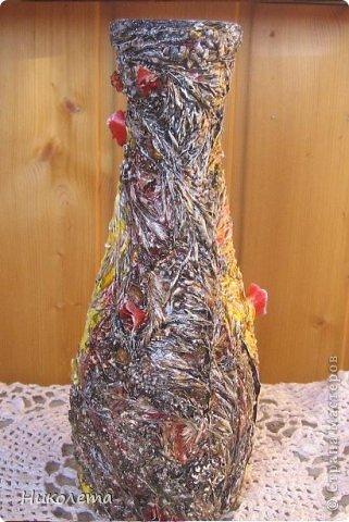 Всем привет!!!!! Облетели листья с деревьев,  прошел первый снежок, хочется что-то оставить на память о золотой осени, так родилась эта вазочка из стеклянной бутылки. фото 4