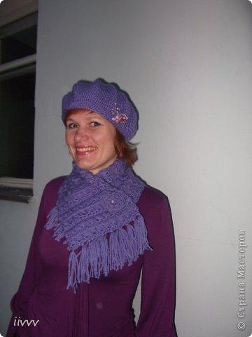 Берет и шарф ярко фиолетовые, фотоаппарат не передаёт яркость. Думала за нехваткой времени пропустить очередной презент, но не смогла удержаться. фото 4