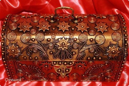 Поделка изделие Бумагопластика Пейп- арт сундук Салфетки фото 1