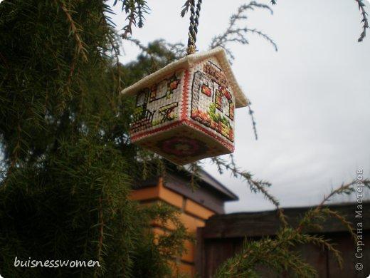 Хочу поделится рождением вот такого домика из пластиковой канвы фото 21