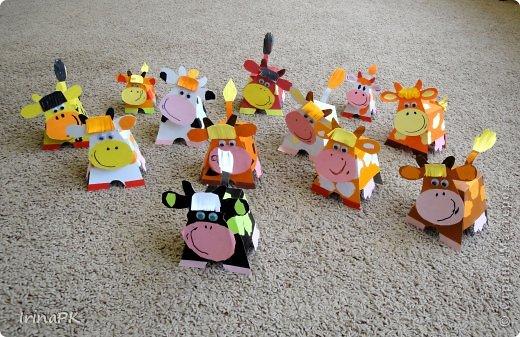 """Вот таких Буренок делали по теме """"Домашние животные"""". Этих симпатяг подсмотрела в книге """"Игрушки из картона и шариков"""", авторы: Мария-Регина Альтмайер, Михаэль Альтмайер и Вернер Шульце. фото 6"""