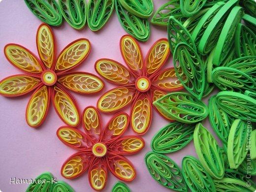 Мастер-класс Квиллинг Листочки и цветочки на расчёске Бумажные полосы фото 1