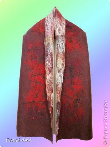 """Женский палантин""""Баклажан"""". Мокрое валяние.Меринос,вискоза,шифон.шелковые квадраты. фото 2"""