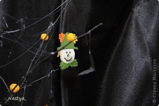 Почему-то нет Хелоуина в списке событий....  Вот такое деревцо на Хелоуин - как декор на стол. Намечается вечеринка по этому поводу, вот и украшаю по чуть-чуть квартиру. фото 4