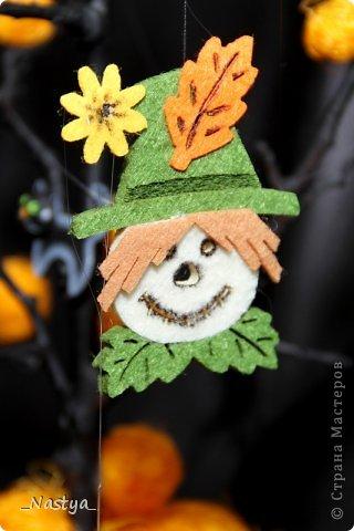 Почему-то нет Хелоуина в списке событий....  Вот такое деревцо на Хелоуин - как декор на стол. Намечается вечеринка по этому поводу, вот и украшаю по чуть-чуть квартиру. фото 5